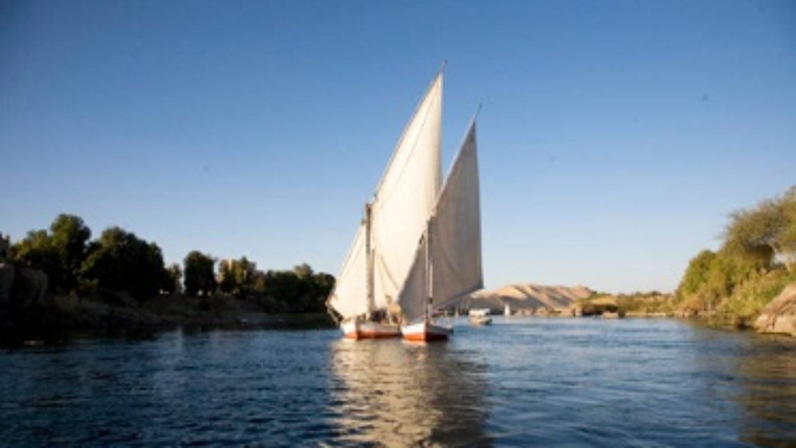 Nilo y los oasis del desierto (15 días)